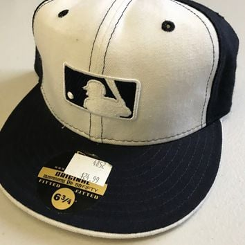 NWT NEW YORK YANKEES NAVY AND WHITE PINWHEEL NEW ERA 5950 FLAT BRIM FITTED HAT