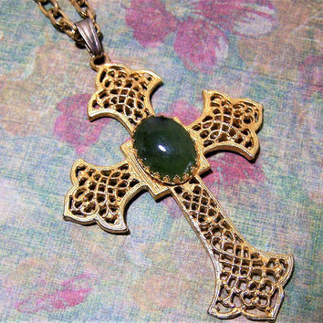 Hobe Green Jade Cabochon Cross Pendant, Chunky Chain Necklace,  Christian Vintage Jewelry,  Religious Costume Jewellery 317