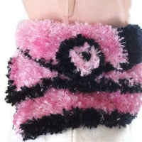 Luxurious Scarf with Brooch in Bright Pink and Black Scarflette, Neck warmer. Fashion Accessories, Gift. Womens, Ladies, Knitted, Crochet,