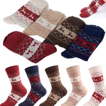 2017 Fashion Xmas Women Warm Soft Wool Christmas Snowflake Deer Long Thick Winter Socks Gift Hot Selling