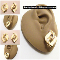 Avon Beige Swirl Layered Pierced Post Stud Earrings Gold Tone Vintage 1989 Key Biscayne Slotted Ribbed Open Scroll Curls
