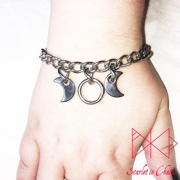 Stainless Steel Goddess Single Bracelet - Witch - Pagan Goddess symbol - Wiccan Goddes - Triple moon - Witch bracelet - Occult jewellery