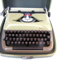 Typewriter Erika excellent working condition fully serviced new ribbon 1959