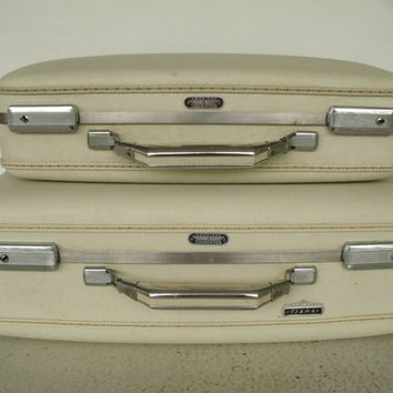 KEYS White Wedding Luggage American Tourister Tiara Set 2 Blue Interior Clean Small Medium
