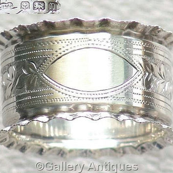Antique Solid 925 Sterling Silver bright cut ivy leaf Napkin / Serviette Ring by Joseph Gloster, Hallmarked for Birmingham, 1912 (ref: 3148)