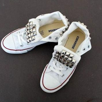 DCCKHD9 Studded Tongue Converse