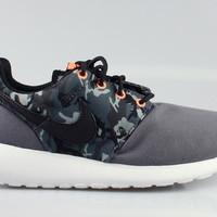 Nike Kid's Roshe Run GS Grey Camo Print