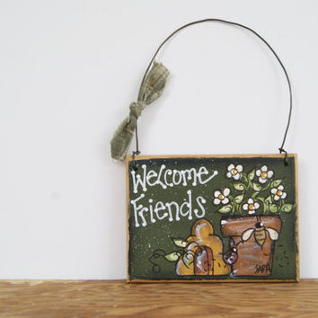 Bumble Bee Welcome Sign ~ Hand Painted Country Home Decor Wood Sign ~ Miniature Welcome Sign ~ Welcome Friends