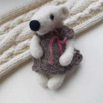 Needle felted brooch-Polar Bear