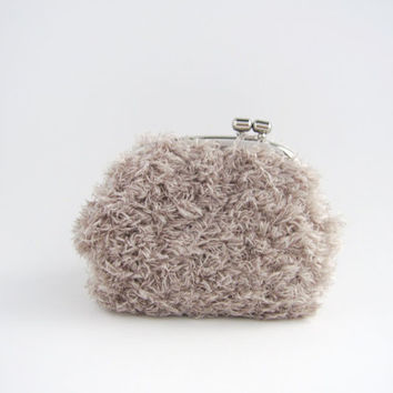 silver frame coin purse- soft grey fur kiss lock