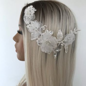 Bridal Lace Comb, 3D flowers Crystal Beaded  lace comb, Hair Accessory, Bridal hairpiece, wedding lace comb, Bridal accessories
