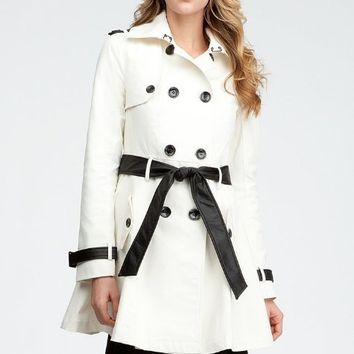 bebe Contrast Trim Trench Coat Total Outerwear Egret/black-xs