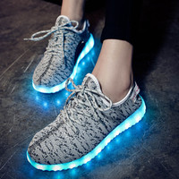 Korean Casual LED Lightning Round-toe Low-cut Flat Stylish Shoes [4964956868]