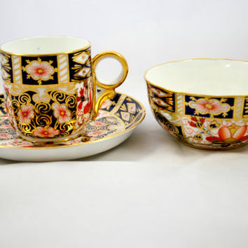 Antique Imari Royal Crown Derby Tea Set in Porcelain Expresso or Tea Cup Saucer and Bowl