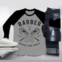 Men's Barber T-Shirt Haircuts & Shaves Vintage Razor Clippers Shirt For Hipster Barbers Raglan 3/4 Sleeve