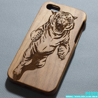 Engraved Tiger wood iPhone 5 Case,Wood iPhone 5S case,Tiger Walnut Wood iphone 5C case,Bamboo wood iphone 4s case,Engraving laser,Cherry