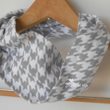 Houndstooth Infinity Scarf, Child's Scarf, Fashion Scarf, Size 2T to Size 6, Circle Scarf, Stylish, Sibling Outfits, Trendy Scarf