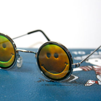 VTG 90s Hologram Smiley Face Round Sunglasses