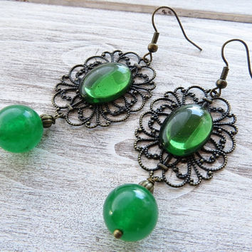 Rustic earrings, vintage cabochon earrings, bronze filigree earrings, green emerald jade earrings, italian jewelry, summer jewelry, gioielli