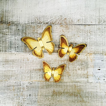 Vintage Brass Butterfly Wall Hanging 3 Brass Butterflies Wall Art Set of 3D Butterflies Golden Metal Butterfly Vintage Wall Art Boho Decor