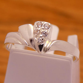 Solid Sterling Silver Cubic Zirconia Fancy Heart Ring 925 Hallmark Fashion Stylish Charm Beautiful Handmade Handcrafted Size 6.25 US / M