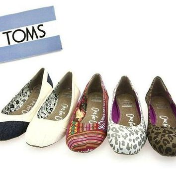 DCCKO03T TOMS Women Fashion Colorful FLAT SHOES CLASSICS FLAT TOMS SHOES