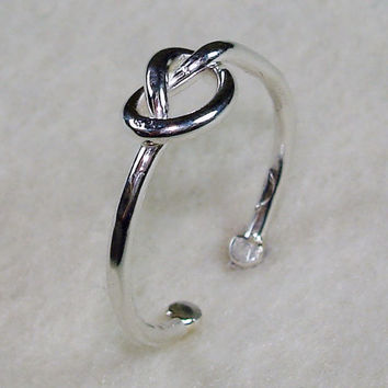 Adjustable TOE Ring Mini Celtic Love Knot  with by AviationJewelry