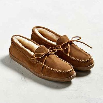 Minnetonka Sheepskin Hard Sole Moccasin Slipper - Urban Outfitters