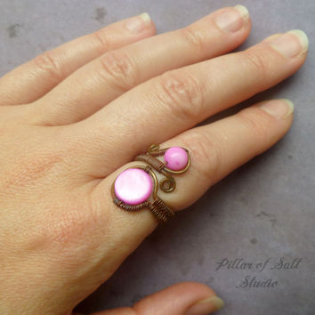 Wire wrapped jewelry handmade ring, Adjustable ring, Wire Wrapped Ring, hot pink mother of pearl, rustic earthy jewelry, boho