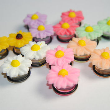 Daisies Acrylic Plugs, Ear Gauges, Women, Stretched Ears, Summer, Formal, Weddings, Floral, Flower, Plugs for Girls, CHOOSE SIZE and COLOR