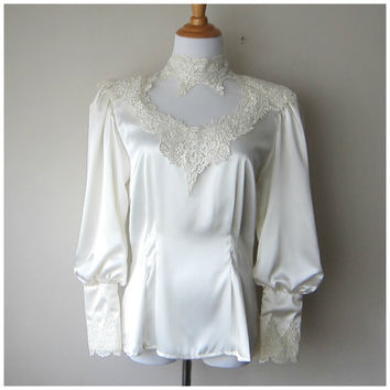 80s Ivory Cream White Lace Blouse -- Satin, Crocheted Lace // Gorgeous Romantic Victorian Edwardian Shabby Chic Dolly Kei / Mori Kei Shirt!