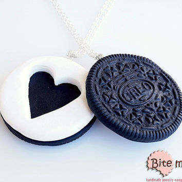 Mini Food Best Friends Oreo Necklaces, Miniature Food Jewelry, Polymer Clay Jewelry, Cute Jewelry, Food Jewelry, Kawaii Jewelry