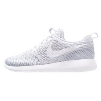 Nike Sportswear ROSHE ONE FLYKNIT - Trainers - pure platinum/white/cool grey - Zalando.co.uk