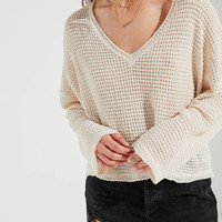 UO Logan Slouchy V-Neck Top | Urban Outfitters