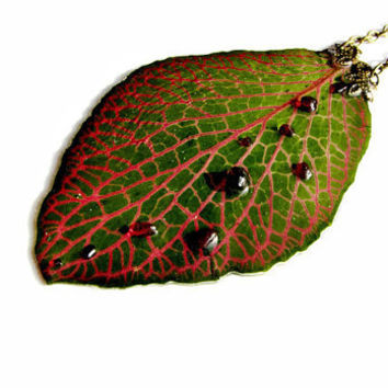 Garnet necklace Dried plant necklace Resin real plant pendant Nerve plant Magenta and Green Resin necklace real flower jewelry Mosaic plant