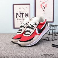 KUUYOU N923 Sacai x Nike Waffle Daybreak Two Logo Fashion Running Shoes Gray Red Black