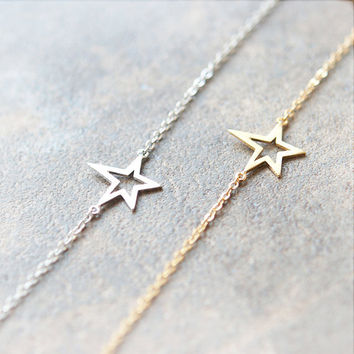 Single Star Bracelet / choose your color/ gold, silver