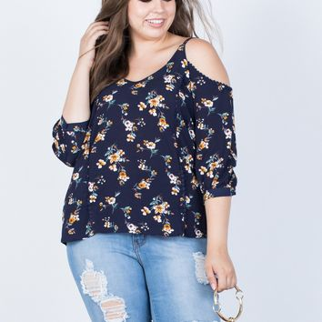 Plus Size Graceful Floral Blouse