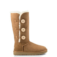 UGG Australia Women's Bailey Button Triplet II | Chestnut