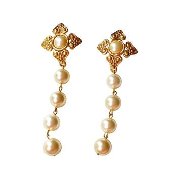 Pre-owned  Chanel Argyle Textured Pearl Dangle Earrings