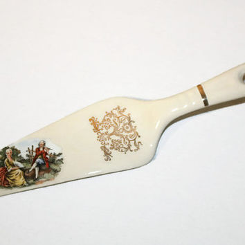 Vintage Colonial Couple Porcelain Cake Server, WS George French Country Scene Pie Server