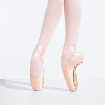 TIFFANY POINTE SHOE