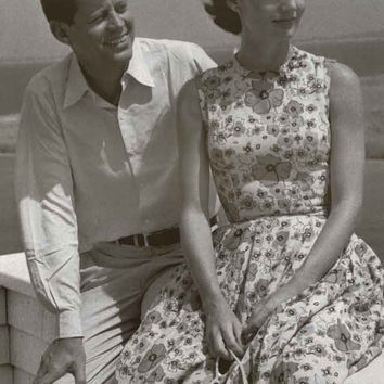 John F Kennedy and Jackie Hyannisport 1960 Poster 11x17