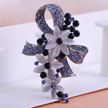 DCCKL72 Pretty Elegant Antique Silver Plated Flowers Brooches with Opals Full Crystals Broches Scarf Pins Accessories Bouquet Wedding