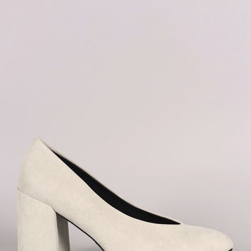Qupid Suede Pointy Toe V Cut Chunky Heeled Pump