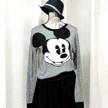 Vintage  Mickey Mouse sweater / 90s Disney Mickey pullover sweater /  gray black super soft / Oversized / XL