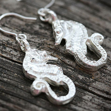 Silver Seahorse Earrings, Beach Jewelry, Beach Earrings, Seahorse Jewelry, Sea Ocean Jewelry, Simple Beach