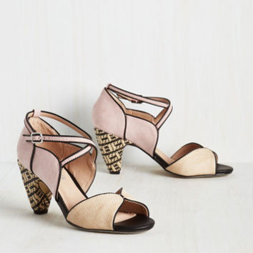 Statement Eclectic Company Heel in Petal