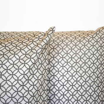 Set of 2 Grey Geometric PIllow Covers // GreyThrow Pillows // Geometric Couch Pillows // Grey Home Decor