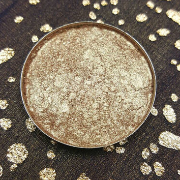 Large Beautiful Gold cheek illuminater highlighter eyeshadow